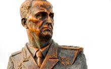 Селиванов В. / надгробие Генералу-Полковнику Одинцову / бронза / гранит / 2012