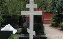 Селиванов В. / надгробие Покровскому и Масленниковой / Новодевичье кладбище / гранит / 2010
